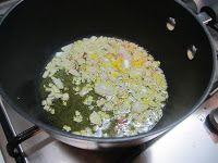 Tagliatelle con salsa rosa e verdure