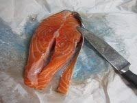 Mafaldine con pesto di rucola e salmone alla vodka