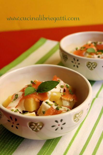 Insalata di patate e salmone affumicato con salsa allo yogurt e senape cucina libri e gatti - Percentuale di umidita in casa ...