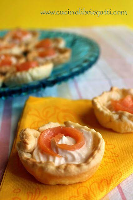 Tartellette con mousse di salmone