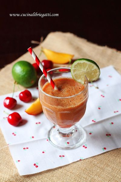 smoothie ciliegia pesca lime