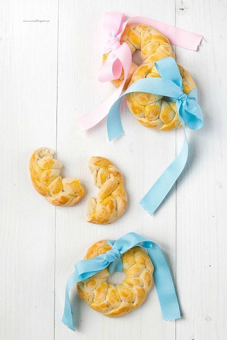 trecce di pane dolce