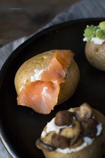 Patate al cartoccio al forno : sei gustose varianti